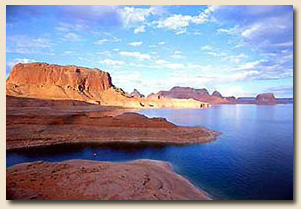 Lake Powell Houseboat Vacations And Watercraft Rentals